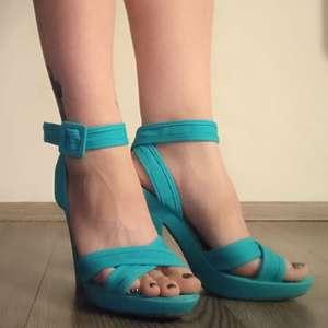 Modré letní páskové